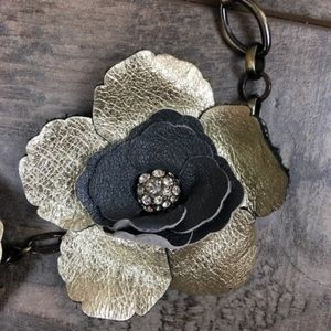 Fossil Jewelry - Fossil faux leather and rhinestone flower necklace